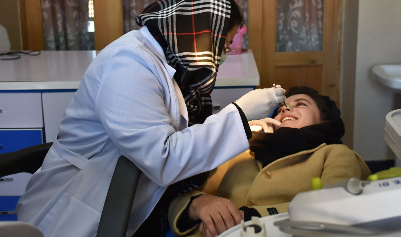 2017 dentist vivian clinic 2